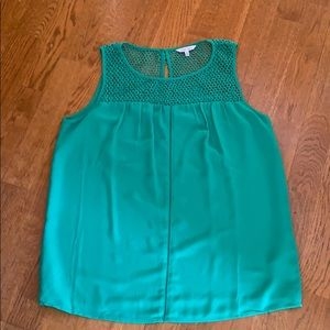 Beautiful green top-  great for spring!